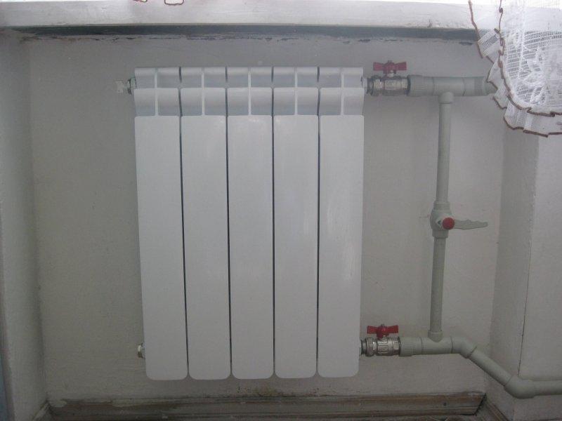 Установка радиаторов отопления в квартиры своими руками