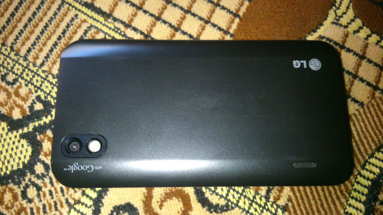 Lg p970- 10ghz 40inch ips screen 5pm android 22 phone-black