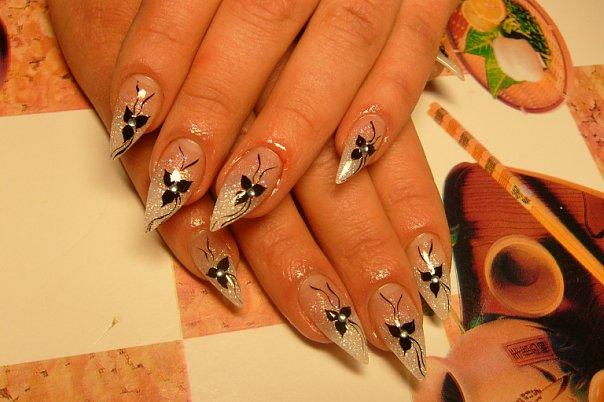 Рисунки на ногтях растяжка