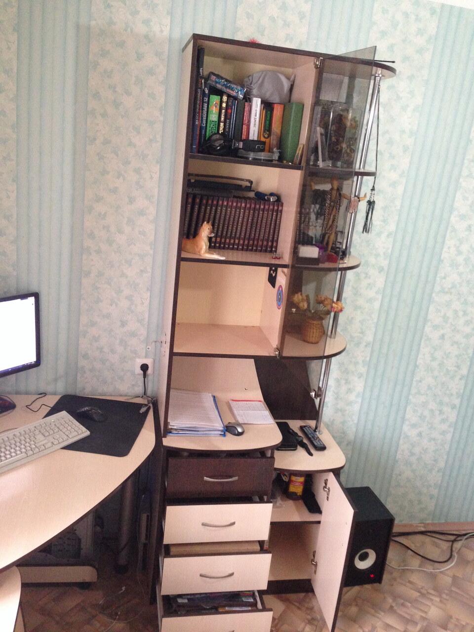 Price-altai.ru - компьютерный стол с книжным шкафом.