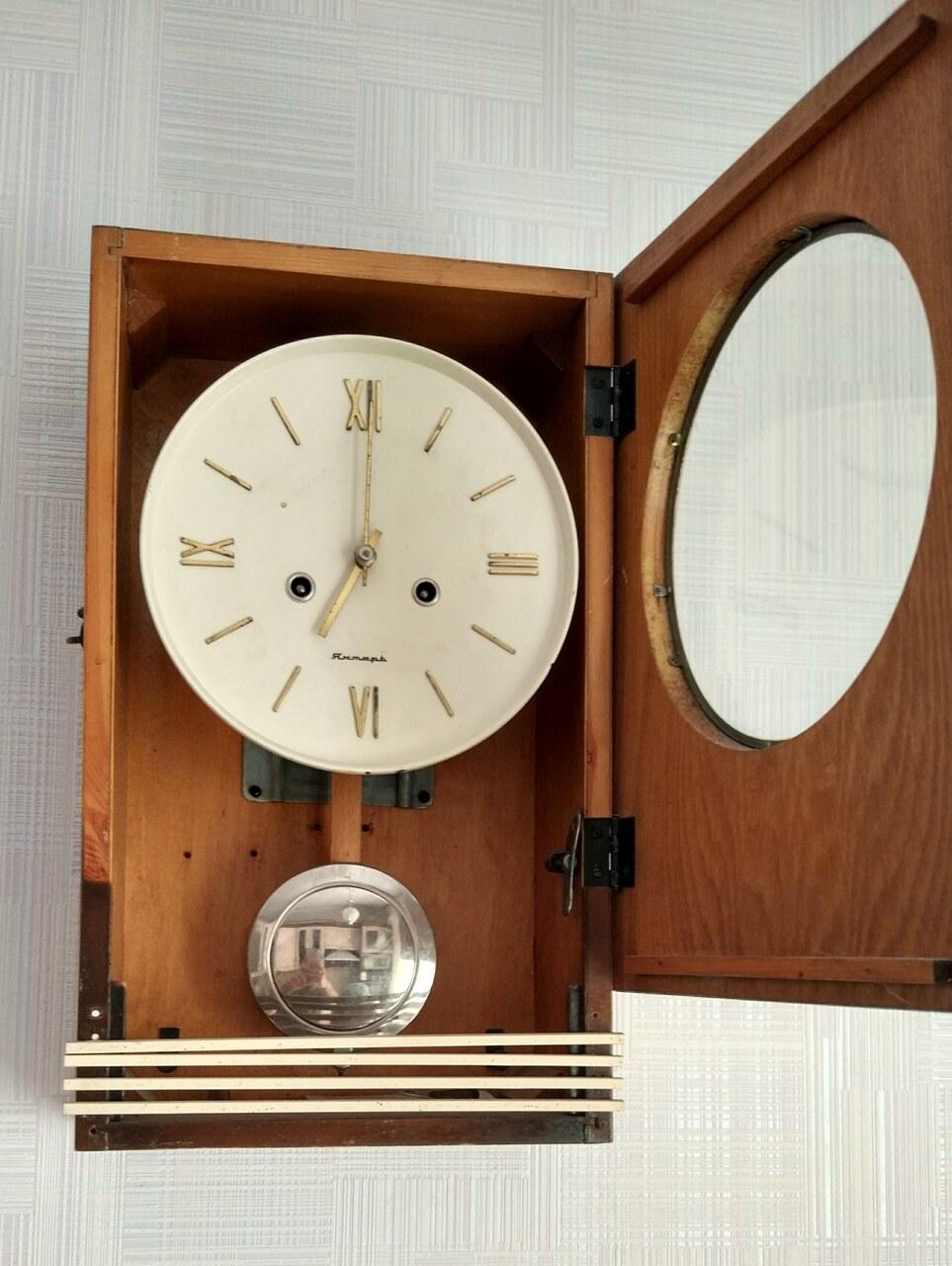 Настенные часы из металла howard miller код: маятниковые настенные антикварные часы, купить которые сегодня не составляет особого труда, имеют различные конструкции и размеры.