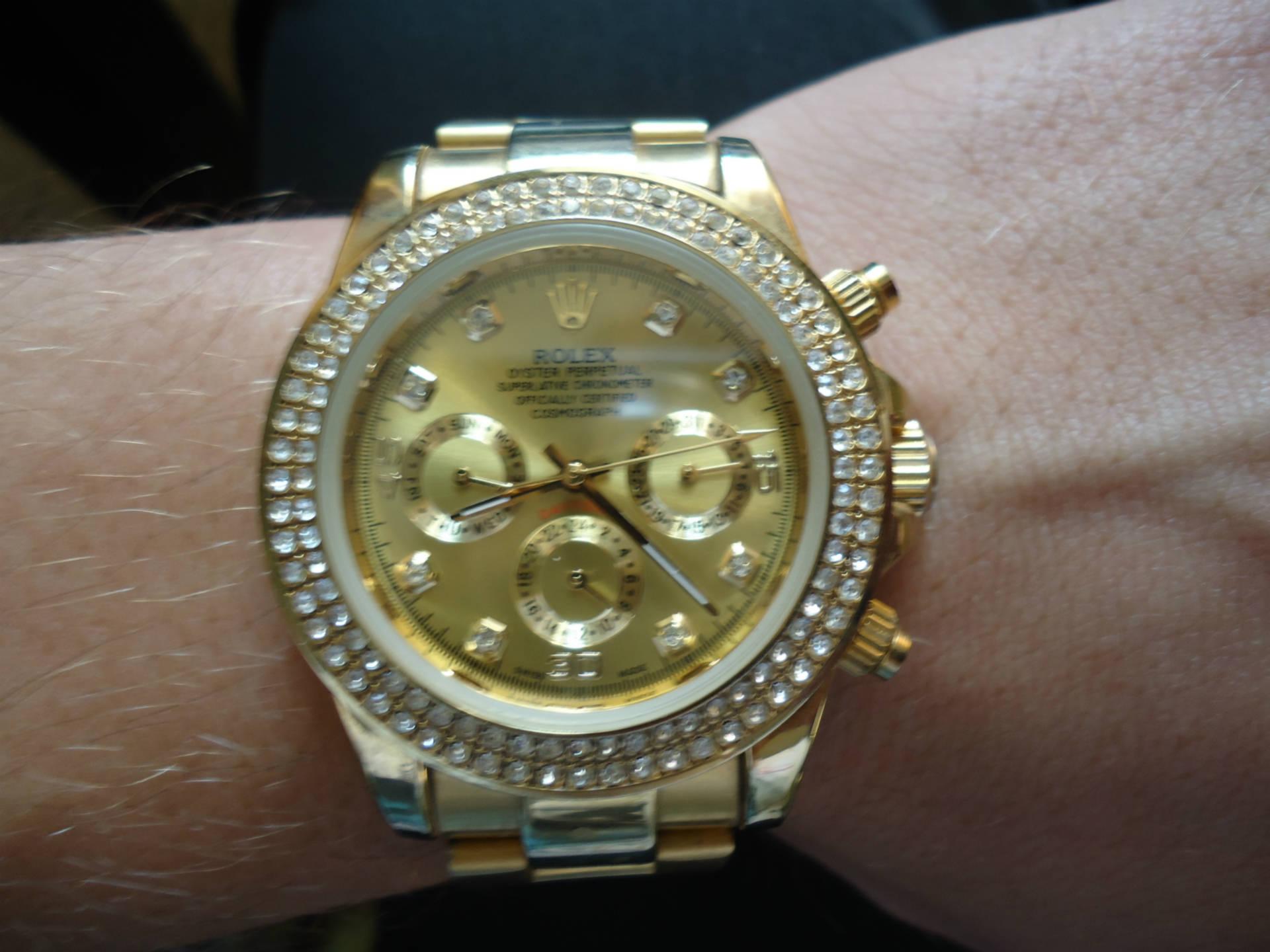 Точные копии швейцарских часов rolex (ролекс) с бесплатной доставкой по россии, недорого и качественно в интернет-магазине livening-russia.ru с моим превередливым отношением к копиям, придраться не к чему.